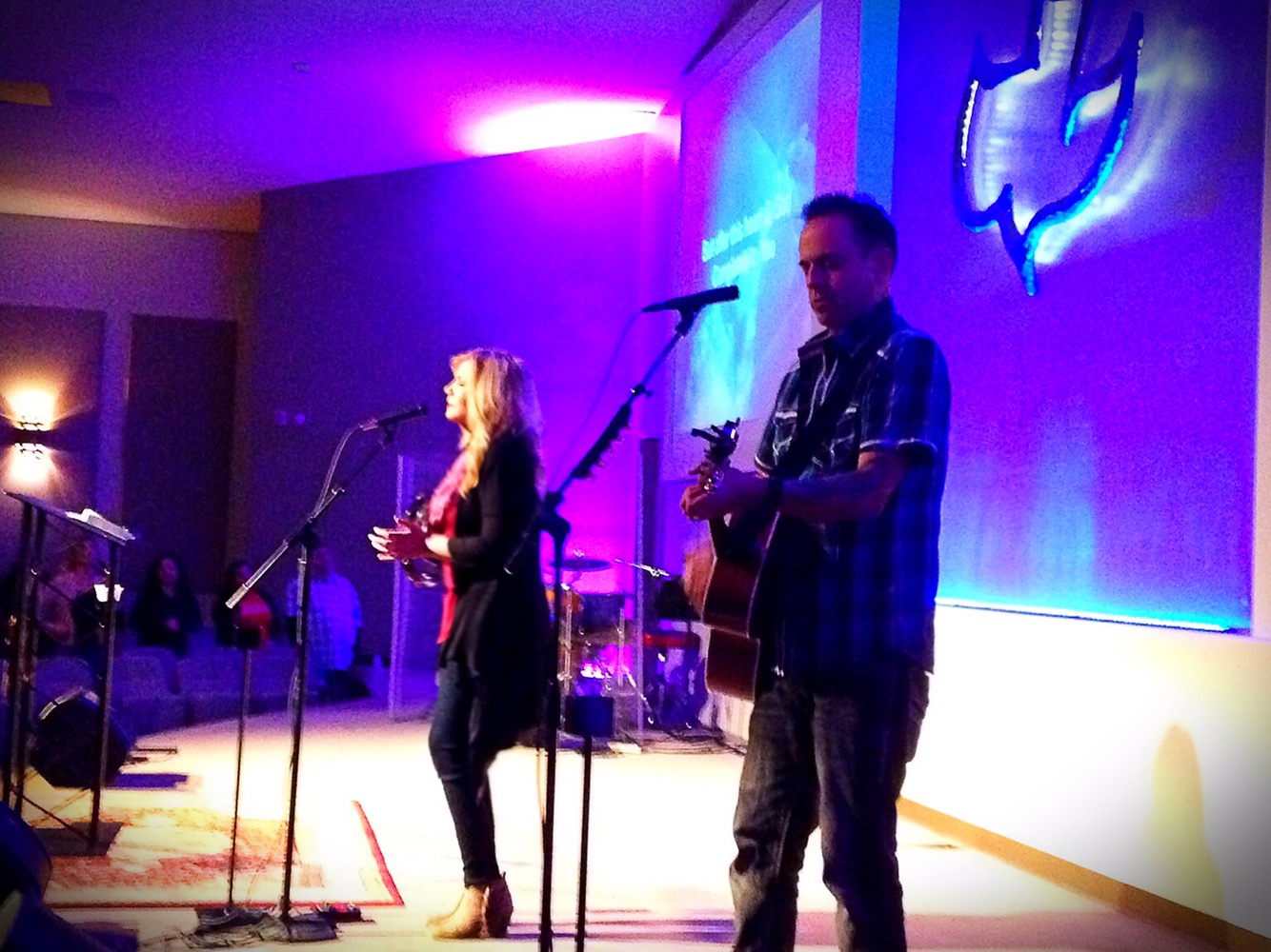m da landers page adore tour  a great big thank you to calvary chapel chino valley for having allen and i out tonight to lead worship it was wonderful to see david and marie ro s